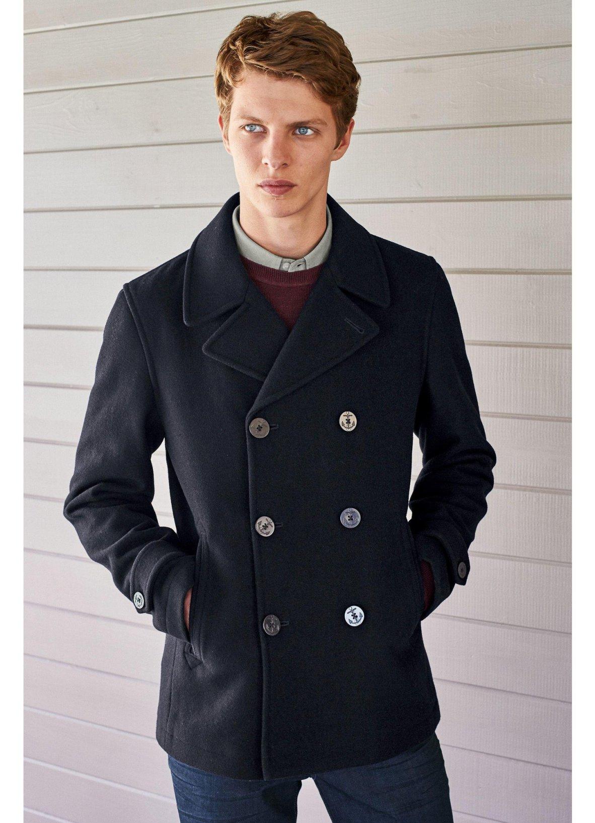 Le caban homme cintré est un genre de manteau très prisé en hiver 3d16c9e72a4f